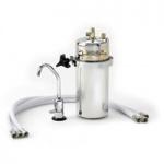 Waterzuiveraar voor 8 liter/minuut. Rechtstreeks aan te sluiten op de waterleiding voor gezuiverd water uit de kraan. (met losse kraan)